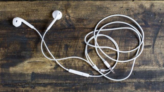 オーディオブックを聞くにはiPodとスマートフォン、どれがおすすめ?